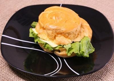 Сандвич паташу със сирена